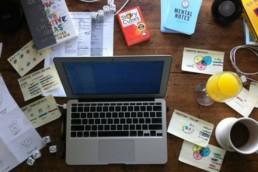 social media marketing desk